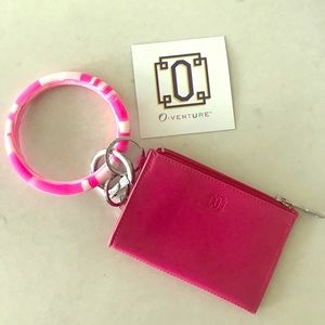 Brand New Oventure Key Ring & Card Case